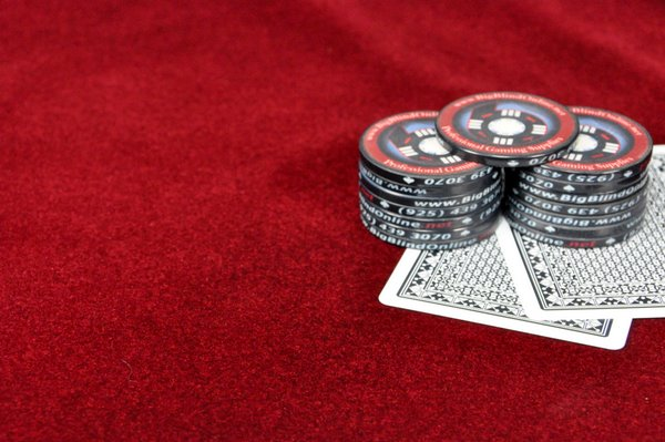 Suited Speed Cloth For Poker Tables